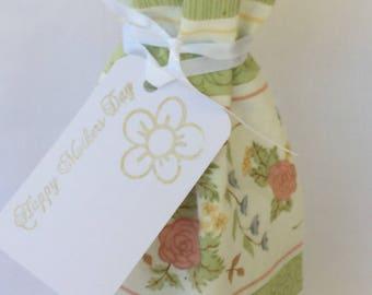 Wine Bottle Gift Bag / Flowers