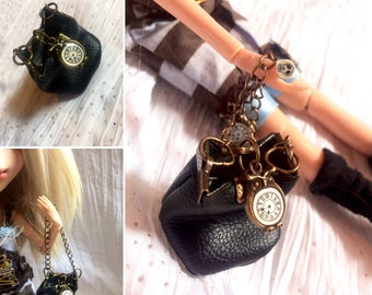 """""""The Time bag"""" bag in black leather with bronze metal and pendant pocket watch"""