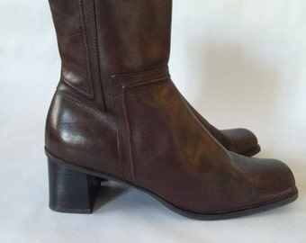 Vintage brown Leather Heeled Ankle Boots