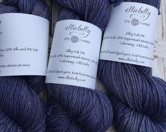 """Elliebelly Yak Silk DK """"Old Sofa"""""""