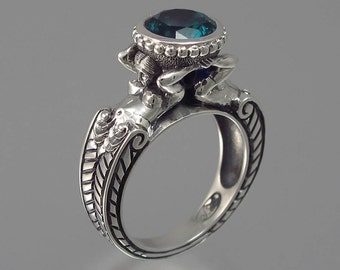 CARYATID Ring in Silver with London Blue Topaz