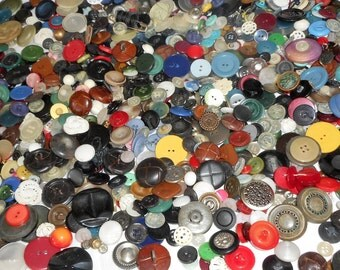 Huge Lot Sets of 1000plus VINTAGE Mix Sewing Craft BUTTONS