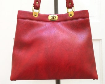 Vintage Red Purse Turn Lock Opening 1960s