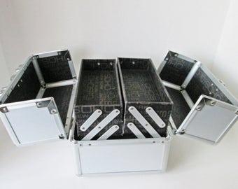 Metal Train Case, Makeup Organizer, Soho Cosmetic Travel Box w Key Sewing Storage Bin Jewelry Box Jacquard Lining silver gray accordion case