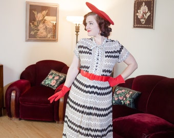 Vintage 1940s Dress - Striking Black and White Sheer Rayon Zig Zag Print 40s Day Dress with Kitten Bow