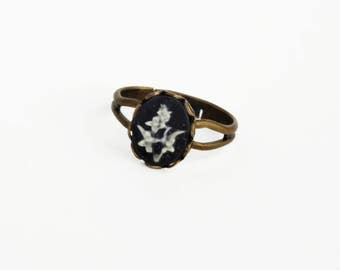 Black Flower Ring Vintage Victorian Cameo Ring Tiny Floral Ring Adjustable Ring Victorian Jewelry Garden Flower Small Black Floral Ring
