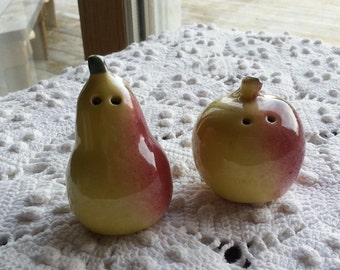 Fruit Pear Apple Salt Pepper Shaker Set