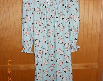Size 8 flannel nightgown CUTE kittens