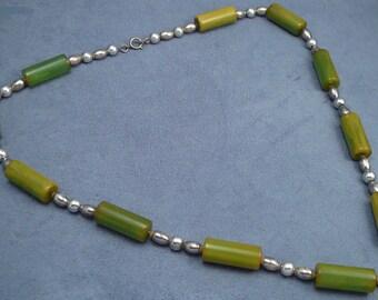 Green Bakelite & Chrome Necklace Vintage Plastic