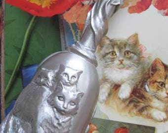 Pewter Cat Bell - Seagull Canada - Etain Pewter Zinn - Hand Bell - School Bell - Decorative Pewter Bell - silver color