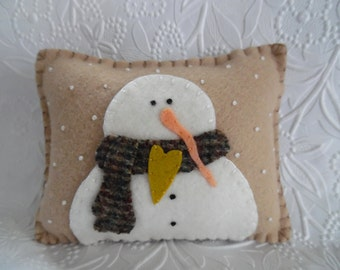 Felt Winter Snowman Pillow Primitive Snowflakes Wool Decoration Penny Rug Felted