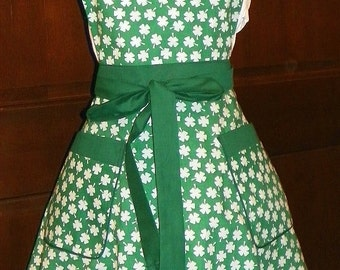Retro Style Double Skirt Apron White Shamrocks on Green Handmade for Kitchen Cooking Cleaning Craft Activities Excellent Clothing Protector