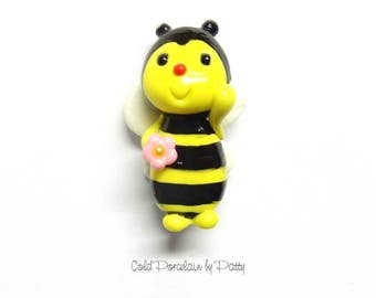 Cold Porcelain Bee Figurine, Bow Center, Bee Pendant, Bee Clay Charm, Bee Ornament, Magnet, Brooch, Bee Purse Charm, Bumble Bee, Honey Bee