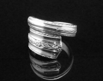 Ornate Floral Spoon Ring, Roseanne 1938