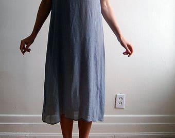 vintage minimalist grey sheath dress