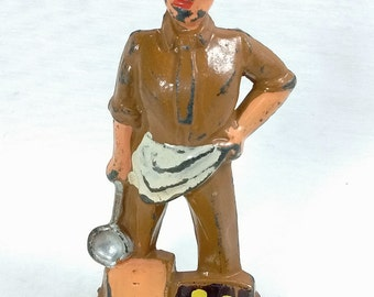 Manoil 91 Cook's Helper with Ladle WW2 Style Helmet No Markings Cast Lead Toy Soldier