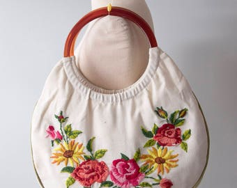 Vintage Embroidered Hobo Purse. Embroidered Bag with Lucite Handles