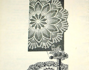 Vintage 1940s Design Mail Order Crochet Craft Pattern 818 Crocheted Pineapple Centerpiece Doily, Round Thread Lace Doily with Fan Border