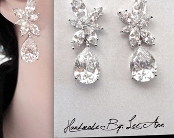 Bridal earrings ~ Marquise cut ~ Wedding earrings ~ Cubic zirconias  ~ High quality ~ Bridal jewelry ~ High quality ~ Lux ~ LILLY