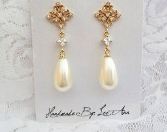 Pearl earrings - Gold pearl earrings, pearl drop earrings - Brides earrings, Gold pearl wedding earrings, Swarovski pearls earrings
