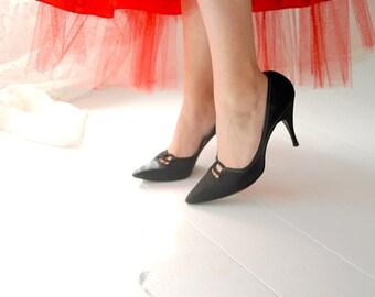 Vintage 1950s shoes, black pin-up heels, pumps, Barefoot Originals, 6 6.5 SALE