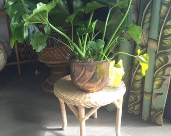 Natural color woven wicker stool