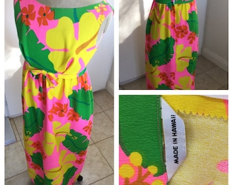 1960's Made in Hawaii long floral spychedelic summer dress size S/M