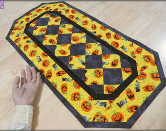 Quilted Table Runner Quilt Halloween Boo Who 327
