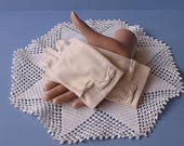 Beige / Taupe Double Woven Nylon Gloves with Bows Made in Japan