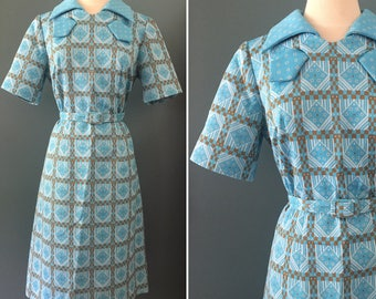 Lady Jack of Dallas 1960s Blue Brown and White Poly Dress with Belt, Sweet 60s Geometric Pattern Short Sleeved Summer Dress