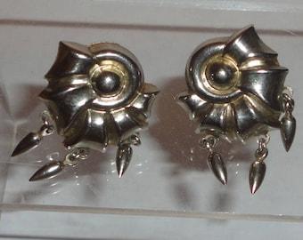 Modernist Silver Dafri Screw Back Earrings ***