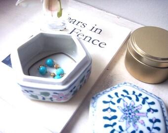 vintage jewelry box, vintage ring box, vintage trinket box, jewelry box, trinket box, ring box. ceramic box, ceramic jewelry box, bohemian