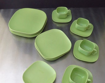 Midcentury Franciscan Tiempo Glossy Green Sprout Dish Ware, Lime Green Dinnerware for FOUR, EXCELLENT