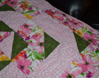 pink & green quilted wall hanging or lap quilt