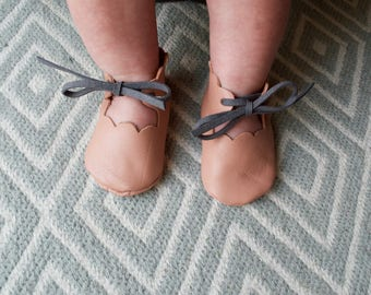 Blush Pink Scallop Edged Leather Shoes With Matching Head band