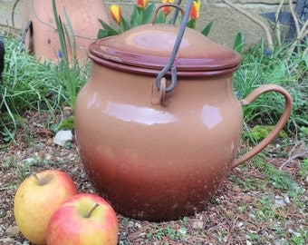 Large French brown/tan enamel pot with lid