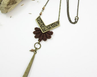"Long necklace ""La chaleureuse"" brass, brown lace and glass beads"