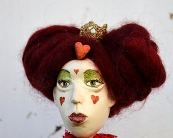 Art doll Queen of hearts, paper clay ooak figure inspired by Alice in Wonderland, red artist unique doll for doll collectors and book lovers