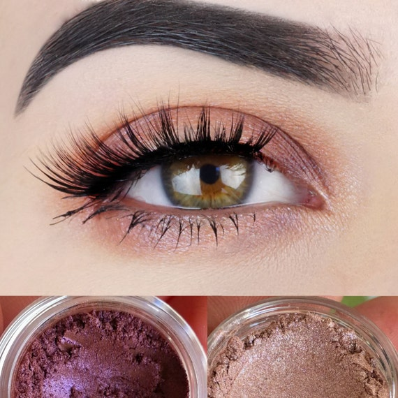 how to make eyeshadow look natural
