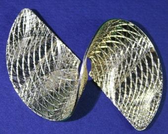 Mid Century Sarah spun gold mesh geometric brooch