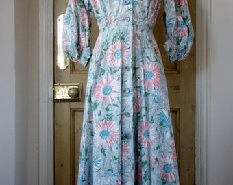 Early 1950s Robe / Housecoat - Floral Print - Full Length