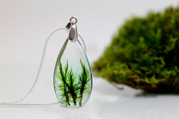 Teardrop real moss necklace - ecoresin- fairytale- woodland- green sterling silver 925 - botanical resin nature inspired forest woodland