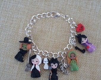 Once upon a time bracelet. Disney villains