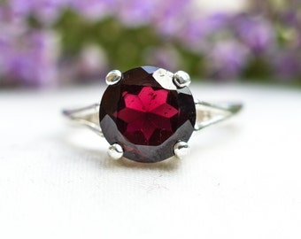 Natural Brilliant Cut Indian Garnet Ring in 925 Sterling Silver *Free Worldwide Shipping*
