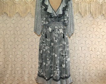 80's Romantic Dress Hippie Boho Peasant Dress V Neck Black White Print Small Medium Womens Dresses 1980s Vintage Clothing Womens Clothing