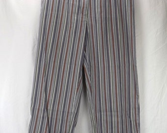 vintage women's clothing | women pants capris | size 8 | 60s White Stag Stretch | clam digger | cropped pedal pusher | stripe cotton spandex