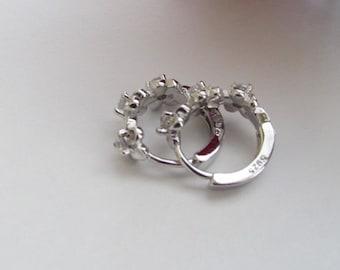 925 Flower Hoop Earrings,Flower Earrings,925 Earrings,Bridal Gift,Hoop Earrings