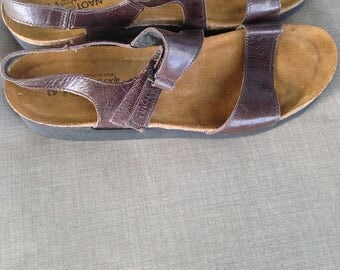 Reduced Naot brown leather strappy Imported sandals Israel size 12/43