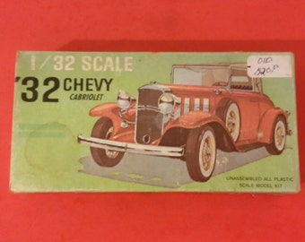 Vintage Model Kit by Palmer Plastic, '32 Chevy Cabriolet, 1/32 scale