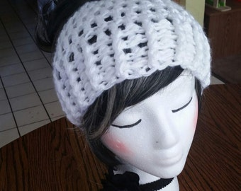LE! Ready to Ship! Crochet White Messy Bun Beanie